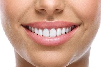 Профессиональная имплантация зубов в Киеве